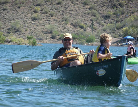 Dad_and_kid_at_Paddle_Fest